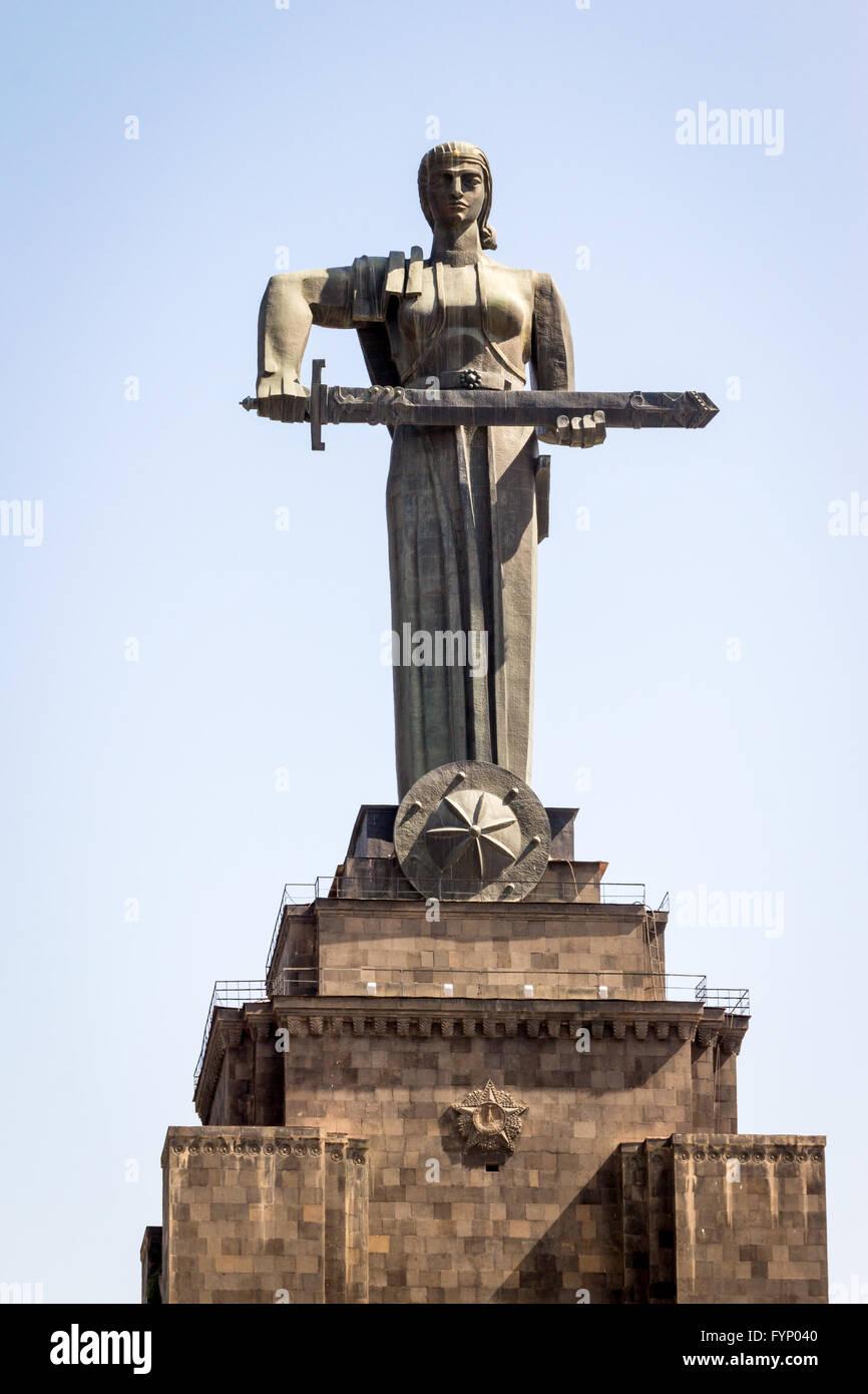 Mãe Arménia estátua em Vitória Park, Yerevan, Arménia Imagens de Stock