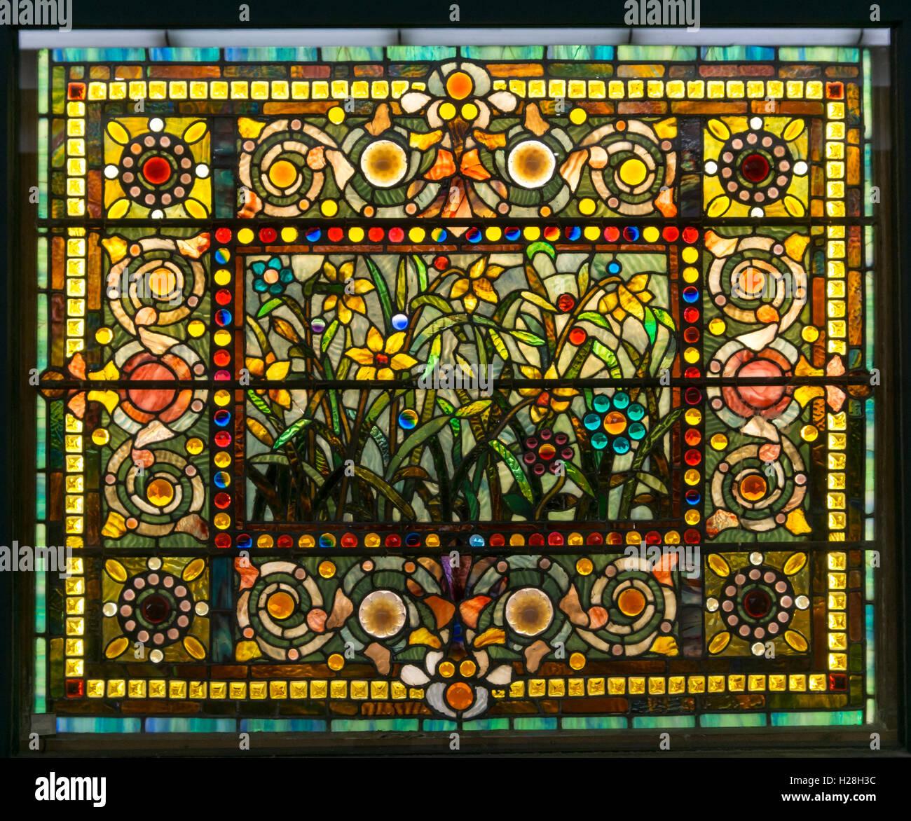 Jardim Americano do século XIX de jóias vitrais por desconhecido designer e psq. Imagens de Stock
