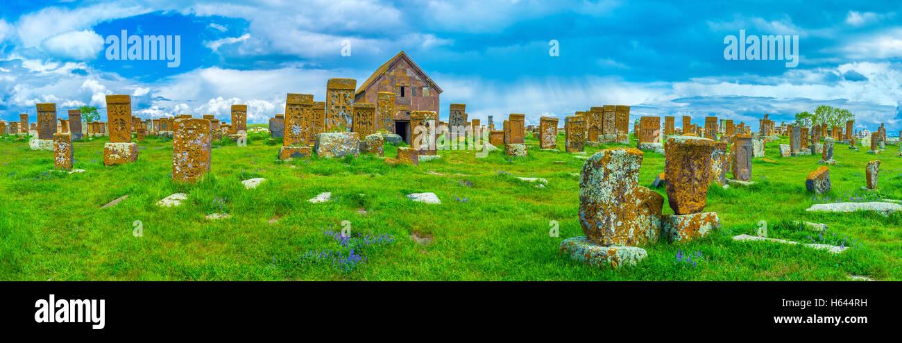 Panorama do Cemitério Noratus, uma das mais incríveis marcos religiosos da Província de Gegharkunik, Imagens de Stock