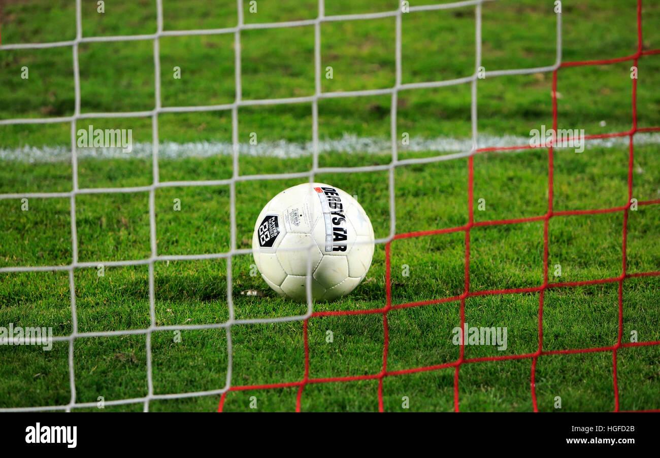 Desporto futebol futebol smbolo conceitos bola na porta da desporto futebol futebol smbolo conceitos bola na porta da linha de golo net stopboris Choice Image