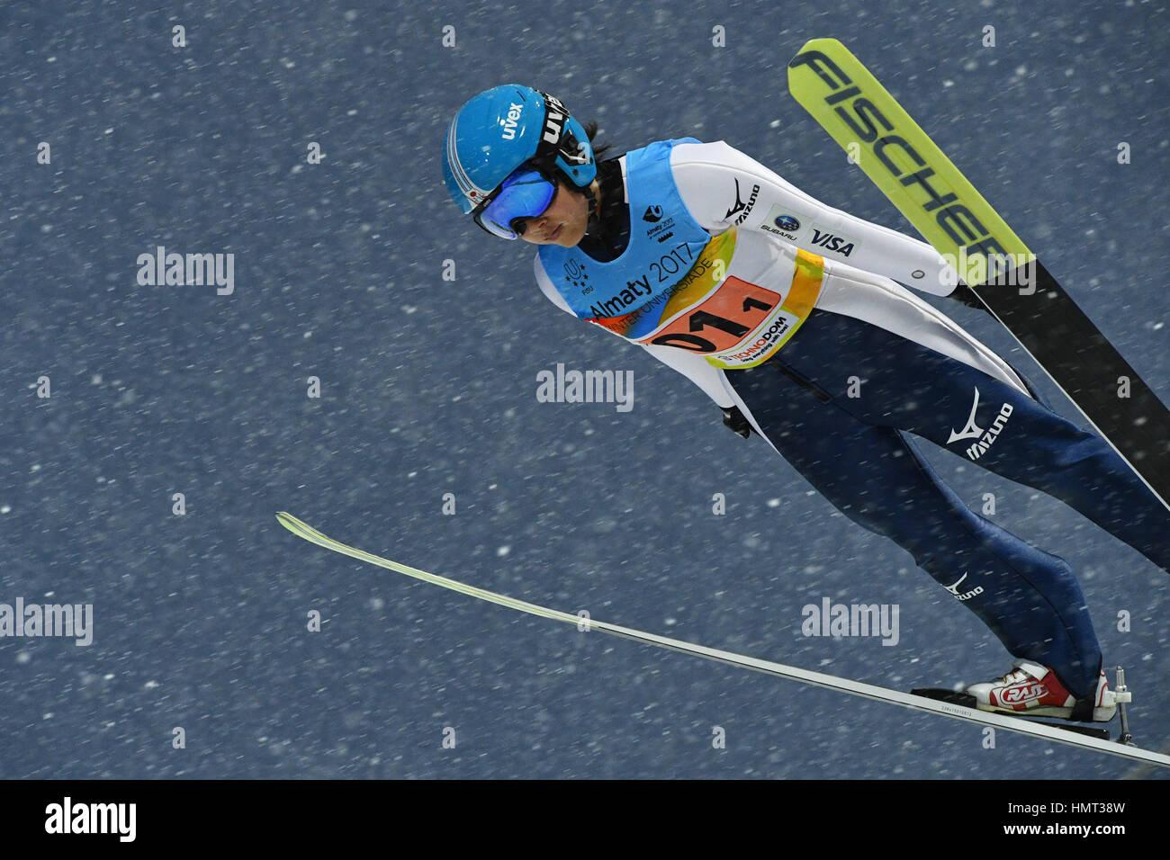 Saltos de Esqui Internacional Sunkar complexo, Almaty, Cazaquistão. 4 de Fevereiro de 2017. Jun Maruyama (JPN), Imagens de Stock