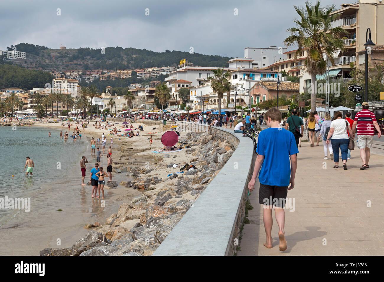 Beira-mar em Port de Sóller, Mallorca, Espanha Imagens de Stock