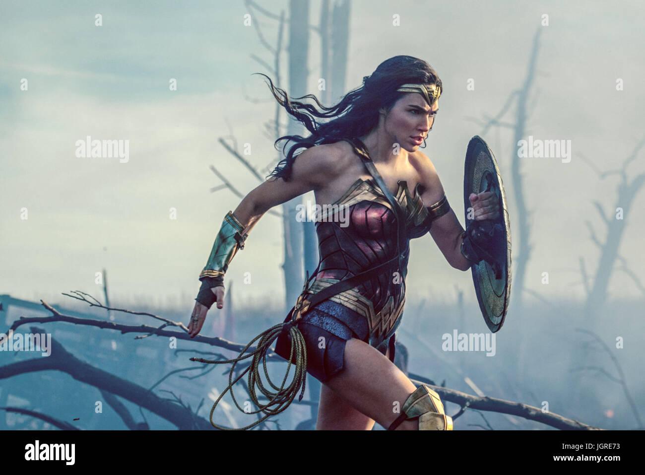 A Mulher Maravilha (2017) GAL MONTPELLIER PATTY JENKINS (DIR) Warner Bros/COLETA MOVIESTORE LTD Imagens de Stock