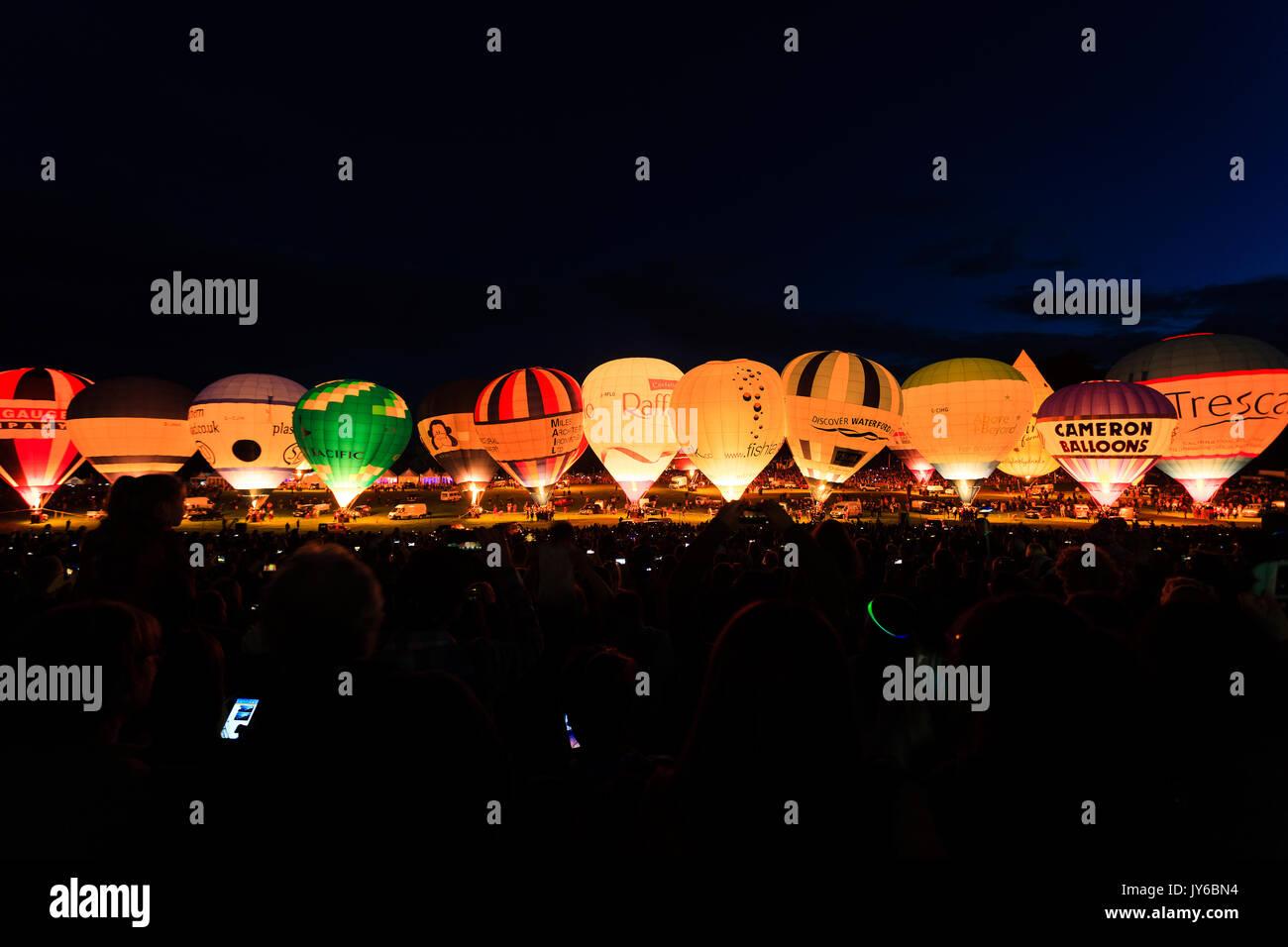 Vista da noite brilham em Bristol Balão Fiesta 2017 em Ashton Tribunal, Bristol. Imagens de Stock