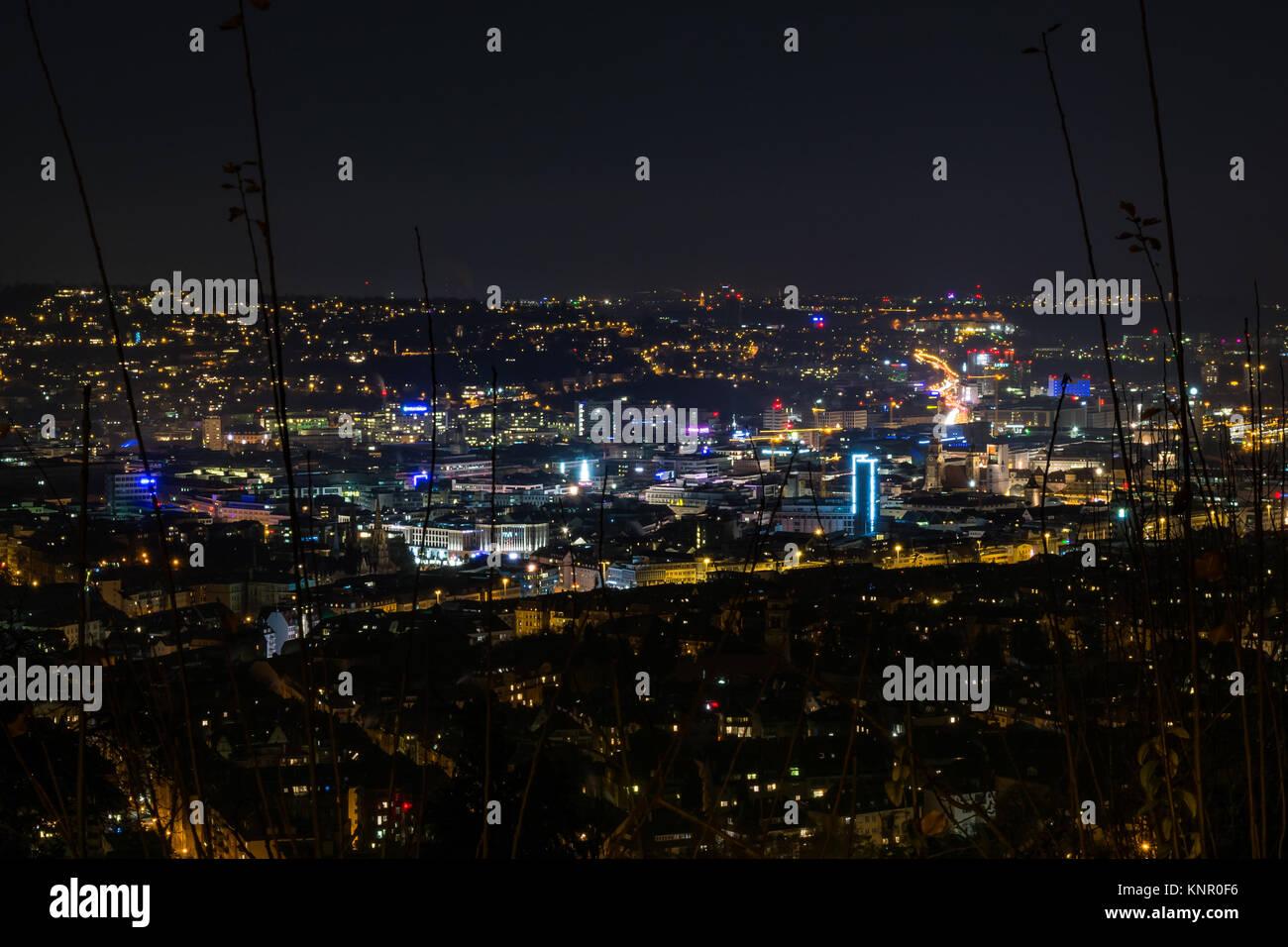 Estugarda Alemanha Paisagem Cityscape noite luzes Santiago de Chile Platz têm vista para Imagens de Stock