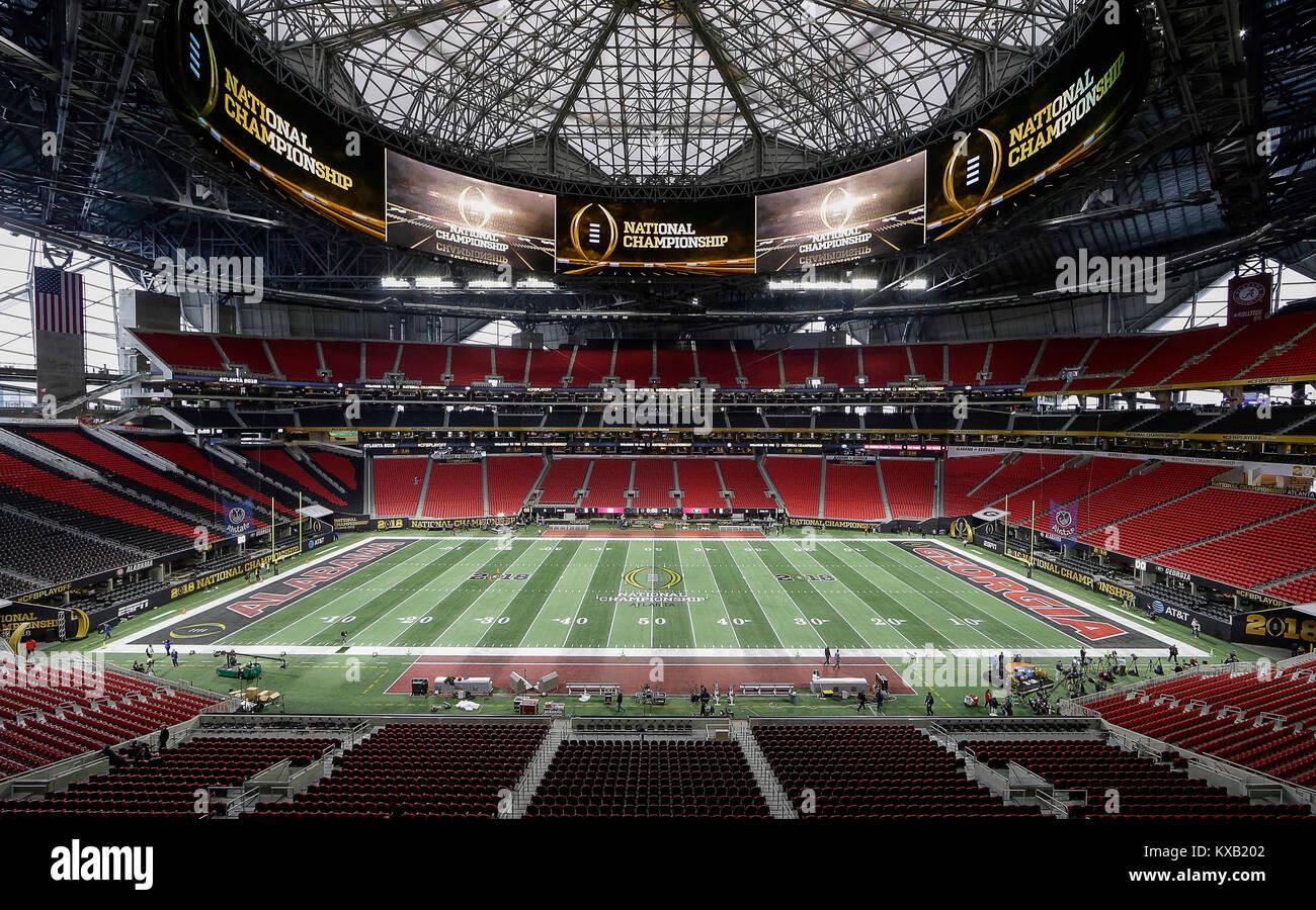 Atlanta, GA, ESTADOS UNIDOS DA AMÉRICA. 8 Jan, 2018. A Mercedes Benz  Stadium é Definido Para O Campeonato Nacional 2018 NCAA Jogo Entre A  Universidade Da ...