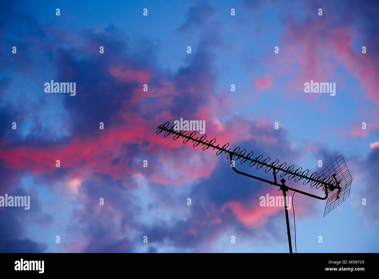 Fernsehantenne Sonnenuntergang im Imagens de Stock