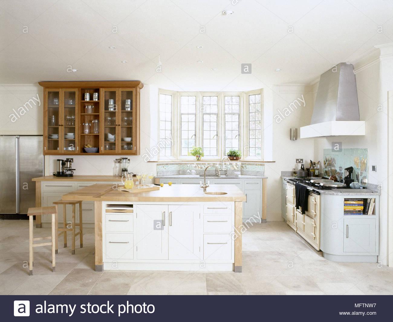 Cozinha Com Ilha Central Pequeno Almo O Bar Sunny Bay Window E Piso