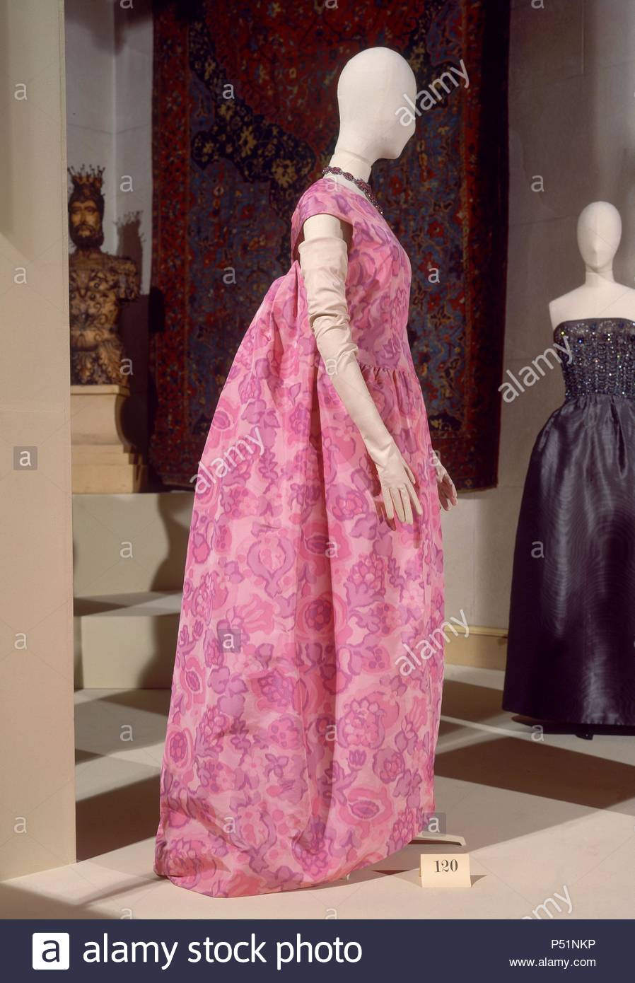 Vestido Fotos & Vestido Imagens de Stock - Alamy