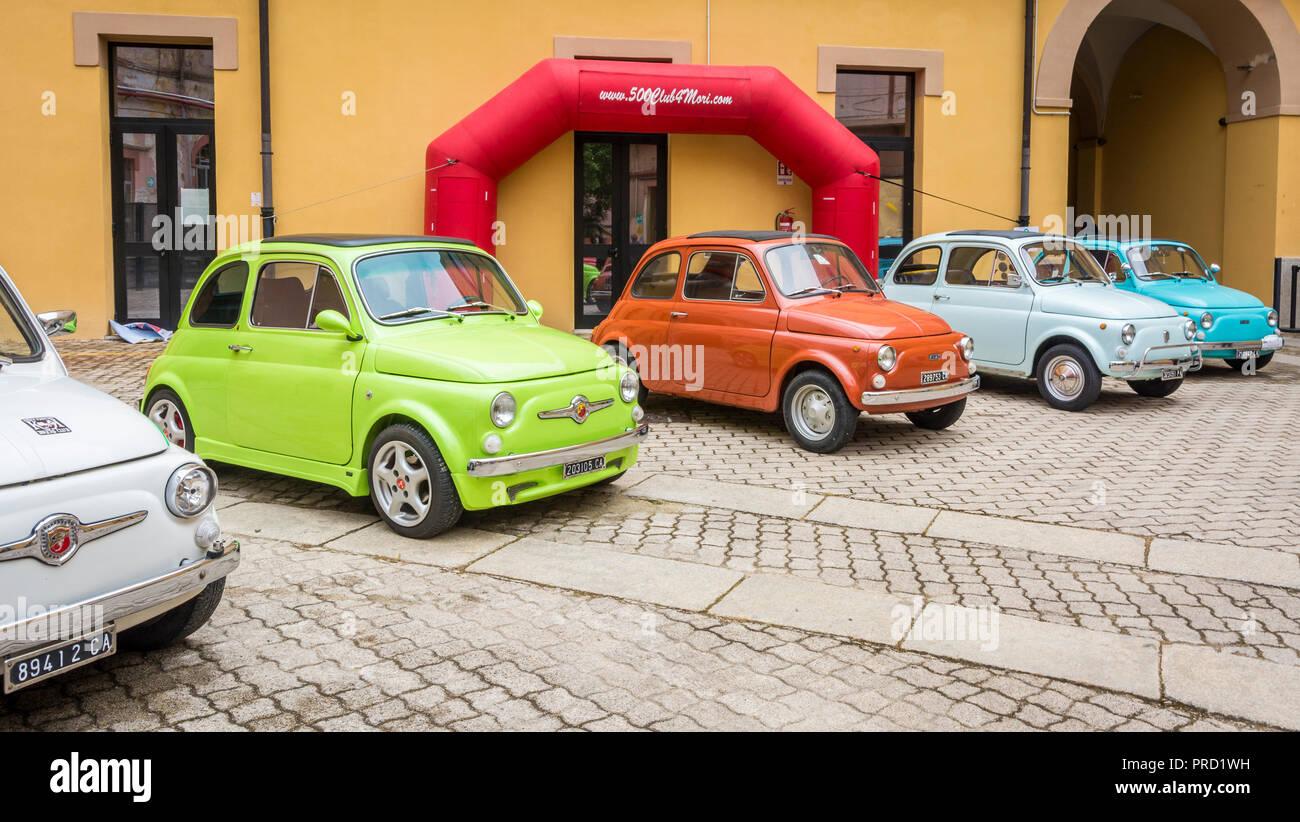 Fiat 500 Club Meeting The Fiat 500 Italian Cinquecento Is A City