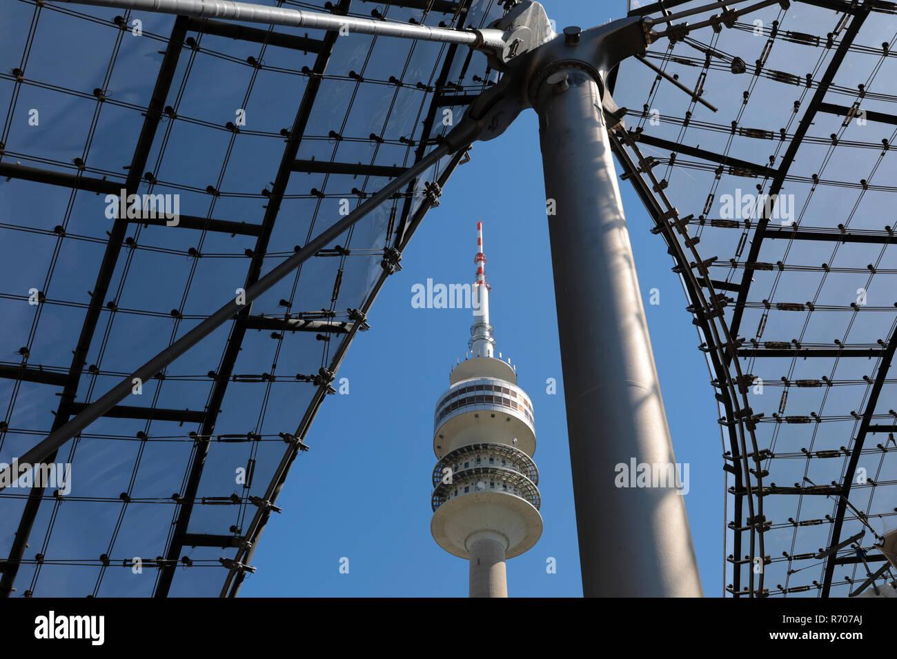 Der Olympiaturm von München Wahrzeichen ist eines der von der Landeshauptstadt. Er ist mit der Fernseh 291,28m zweithöchste Rundfunkturm Bayerns,-und. Erbaut 1965 bis 1968 Turmrestaurant Aussichtsplatform mit einer und für Besucher auf 2962 Stockwerken zwischen 181m 192m bis Höhe. Imagens de Stock