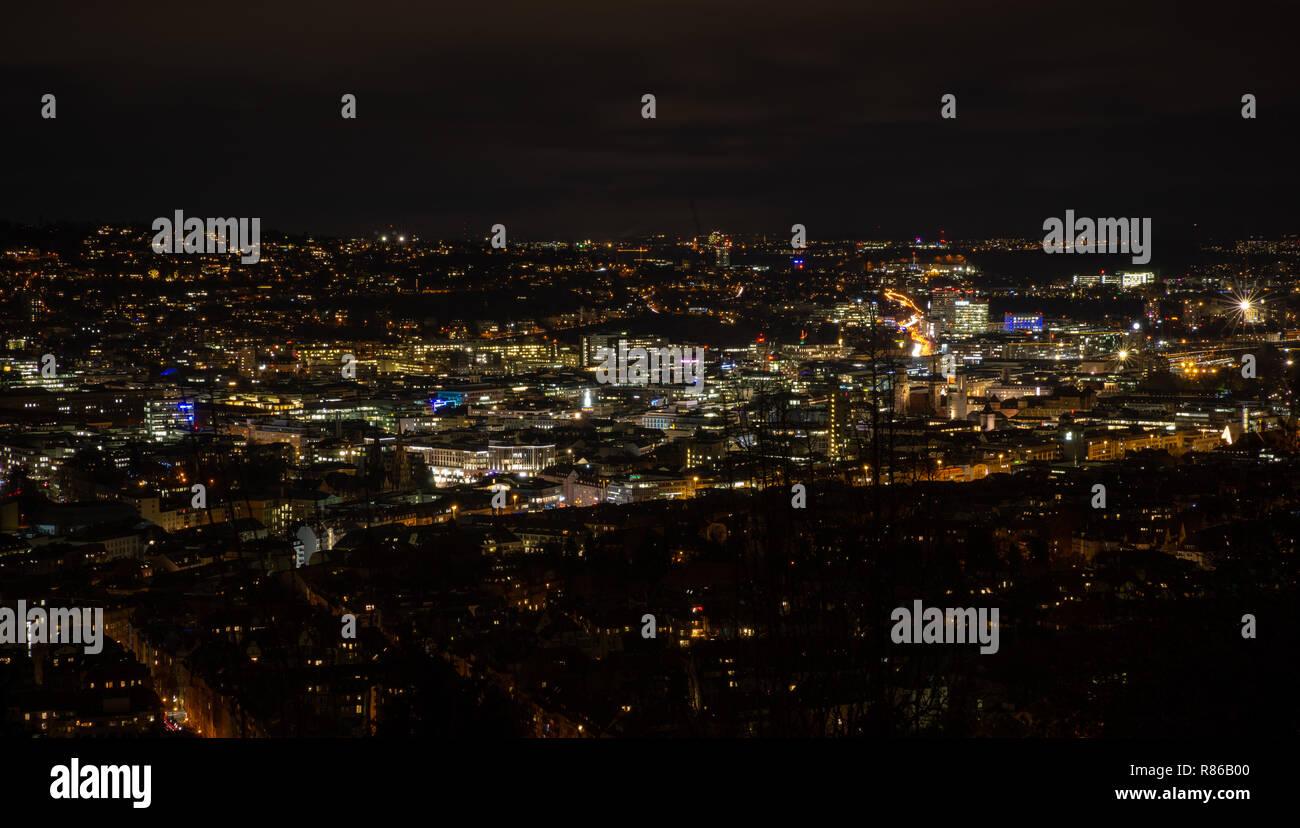 Panorama na noite de Stuttgart Imagens de Stock