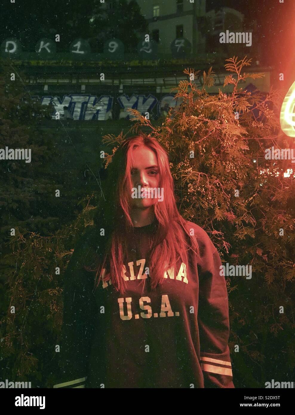 Mulher em néon. Imagens de Stock