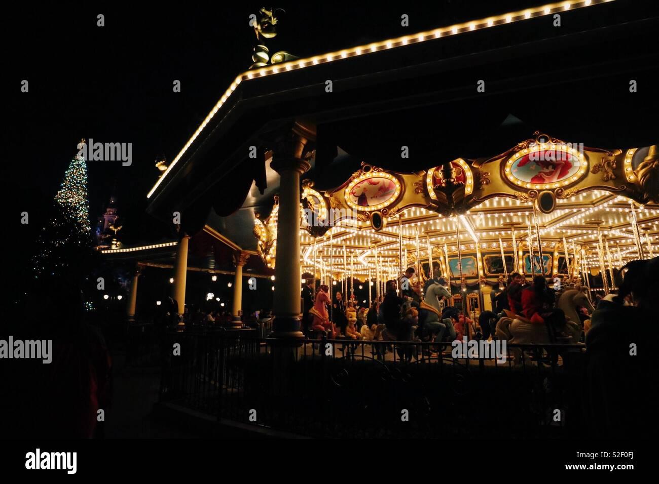 O carrossel à noite Imagens de Stock