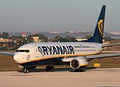 ryanair-boeing-737-800-taxiing-for-depar
