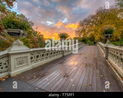 Bow Bridge in New York City, Central Park Manhattan in autumn - Stock Image