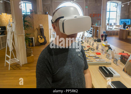 Marseille, FRANCE, Man Using Virtual Reality Headset in Store, Inside, Shopping Center, Center CIty, Les Docks VIllage - Stock Image