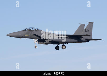 Unmarked F-15E from the 48th Fighter Wing on the approach into RAF Lakenheath on a clear winters day. - Stock Image