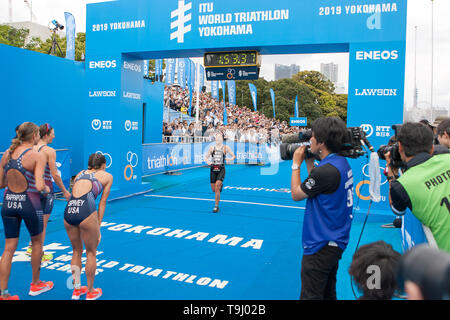 Yokohama, Japan. 18th May, 2019. 2019 ITU World Triathlon, World Paratriathlon Yokohama at Yamashita Park and Minato Mirai, Yokohama. Takahashi (Photos by Michael Steinebach/AFLO) Credit: Aflo Co. Ltd./Alamy Live News - Stock Image