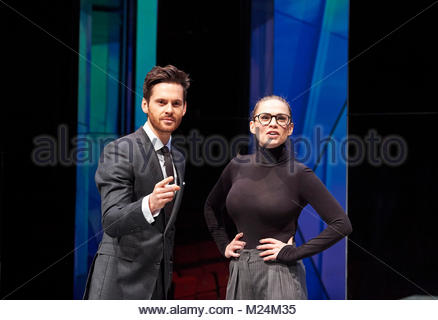 Dry Powder by Sarah Burgess. A Hampstead Theatre Production directed by Anna Ledwich. With Tom Riley as Seth, Hayley - Stock Image