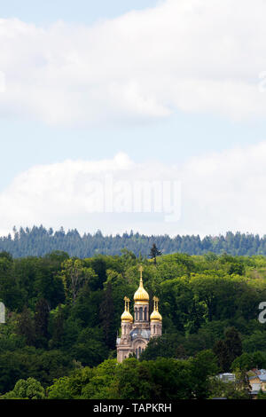 The Church of St Elizabeth in Wiesbaden, the state capital of Hesse, Germany. The Russian Orthodox place of worship is on the Neroberg. - Stock Image