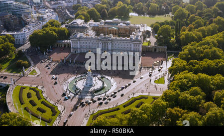 Aerial View of Royal Residence Buckingham Palace feat. Victoria Memorial. Famous Iconic Monarch Building of the United Kingdom in City of Westminster - Stock Image