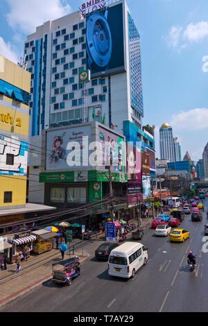 Phetchaburi Road, Ratchathewi, Bangkok, Thailand - Stock Image