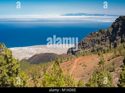 View over Guimar Valley and the young 1705 Arafo scoria cone from Caldera de Pedro Gil, Tenerife, with Gran Canaria - Stock Image