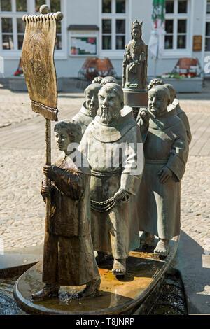 Deutschland, Nordrhein-Westfalen, Werl, Stadtbrunnen, 1992 von Bonifatius Stirnberg - Stock Image