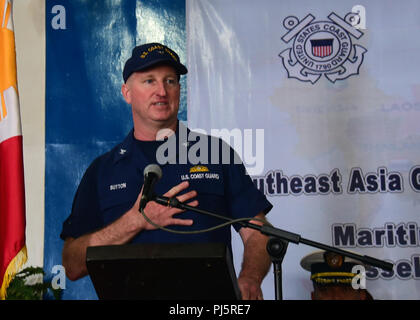 180827-N-QV906-0116 MANILA, Philippines (August 27, 2018) Capt. James Sutton, Coast Guard Liaison Officer to U.S. Pacific Fleet, delivers keynote remarks during the opening ceremony of Southeast Asia Cooperation and Training (SEACAT) 2018 aboard Philippine Coast Guard Headquarters in Manila, Philippines. This is the 17th annual SEACAT exercise and includes participants from the U.S., Brunei, Bangladesh, Thailand, Philippines, Singapore, Vietnam, Malaysia and Indonesia. (U.S. photo by Mass Communication Specialist 1st Class Micah Blechner/RELEASED) - Stock Image