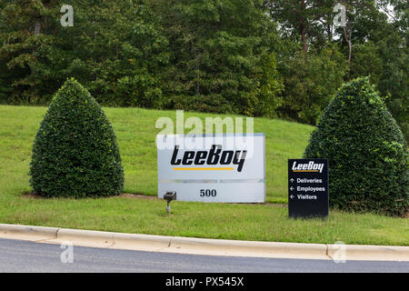 LINCOLNTON, NC, USA-9/23/18:  A company road sign for LeeBoy, a U.S. manufacturer of asphalt paving road construction and maintenance equipment. - Stock Image