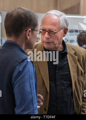 An informal portrait of Dieter Rams in conversation, the chief designer for Braun in the 1970s to 1980s - Stock Image