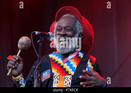 Montreal, Canada. 7th July 2018. Lakou Mizik group from Haiti perform at the Montreal International Jazz Festival. Credit: richard prudhomme/Alamy Live News - Stock Image