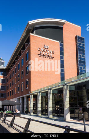 Crown Plaza hotel on St. Nicholas Place, Liverpool. - Stock Image