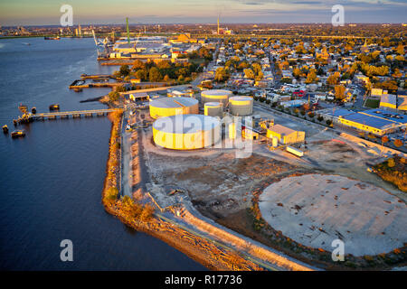 Aerial View of Refinery on Delaware River New Jersey - Stock Image
