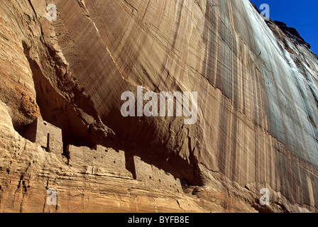 The White House ancient dwelling in Navajo Reservation, Canyon De Chelly, Arizona, USA - Stock Image