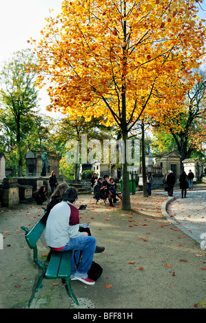 Paris, France - 'Pere Lachaise Cemetery', Teen Tourists Visiting 'Urban Park' in Autumn - Stock Image
