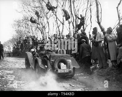 1948 Ford V8 with Jensen body. A.S. Whiddington, Lands End Trial 1938 - Stock Image