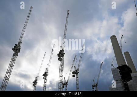 Battersea Power Station cranes construction site in Wandsworth South London SW8 England UK  KATHY DEWITT - Stock Image
