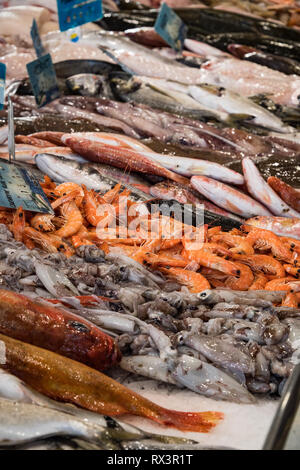 Sea food on sale in the market of Sanary sur Mer, France - Stock Image