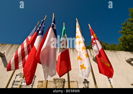 six flags over texas red whte blue exterior over entrance Spanish Governors Palace   exterior aristocratic early - Stock Image