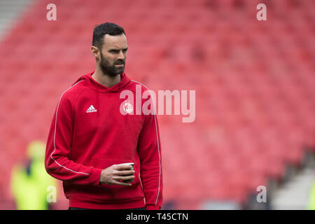 Hampden Park, Glasgow, UK. 14th Apr, 2019. Scottish Cup football, semi final, Aberdeen versus Celtic; Joe Lewis of Aberdeen inspects the pitch before the match Credit: Action Plus Sports/Alamy Live News - Stock Image
