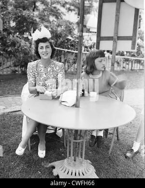 Mrs Hugh D Auchincloss (mother of Jacqueline Kennedy) with daughter Lee (later Lee Radziwill), East Hampton, July - Stock Image