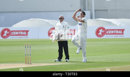 Hove Sussex, UK. 05th Apr, 2019. Chris Wright of Leicestershire bowls against Sussex in the Specasavers County Championship Division Two match at the 1st Central County Ground in Hove on a sunny but cool first morning of the season Credit: Simon Dack/Alamy Live News - Stock Image