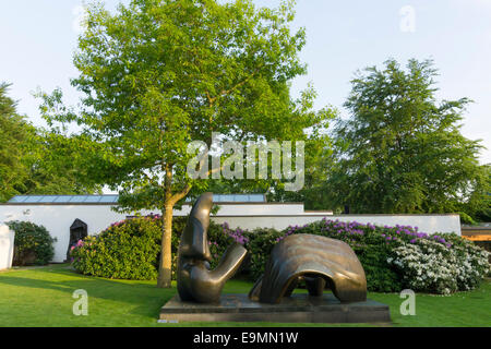 Louisiana Museum of  Modern Art, Humlebæk, Denmark, park with sculptures, Henry Moore - Stock Image