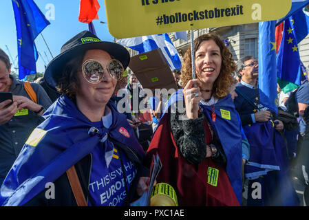 London, UK. 20th October 2018. People with placards, banners and flags on the People's Vote March calling for a vote to give the final say on the Brexit deal or failure to get a deal as the march leaves Hyde Park Corner. They say the new evidence which has come out since the referendum makes it essential to get a new mandate from the people to leave the EU. Peter Marshall/Alamy Live News - Stock Image