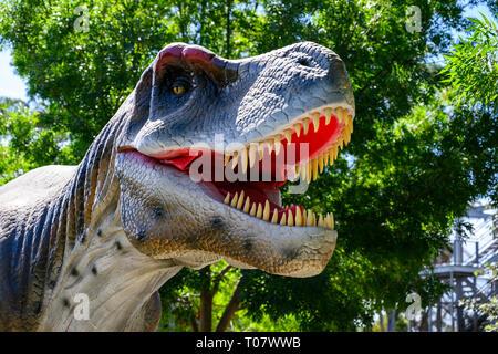 Animated lifelike dinosaur model,part of a temporary exhibition, 'Dinosaur Valley', at Scenic World, Katoomba, NSW, Australia. - Stock Image