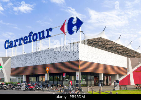 MaSSA, ITALY - JULY 26, 2018 - The main entrance to a Carrefour mall in Italy - Stock Image