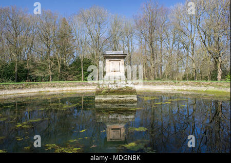The reservoir in the grounds of Castle Howard in North Yorkshire - Stock Image