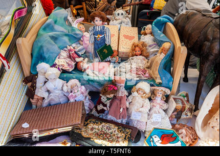 Israel, Tel Aviv-Yafo - 08 March 2019: Dizengoff Flea Market now on Giv'on street - dolls and other toys - Stock Image
